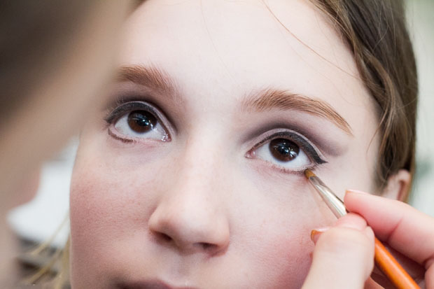 Вечерний макияж для карих глаз пошаговое фото самостоятельно в домашних условиях