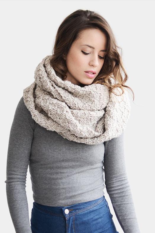 бежевый шарф хомут