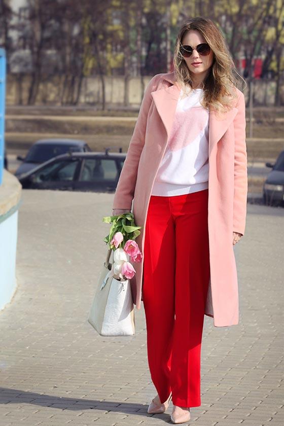 с розовым пальто