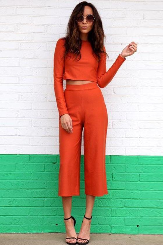 красные брюки кюлоты