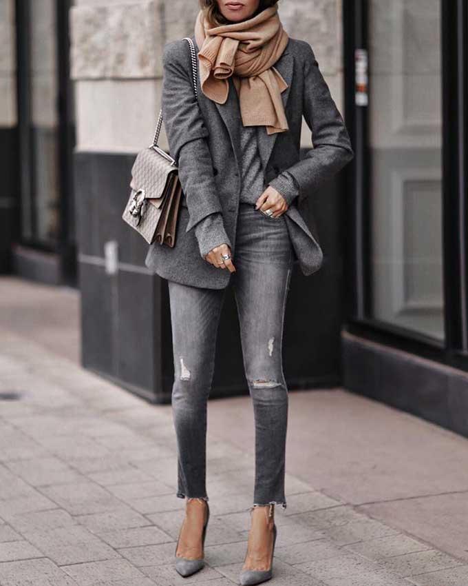 женский образ с серым жакетом