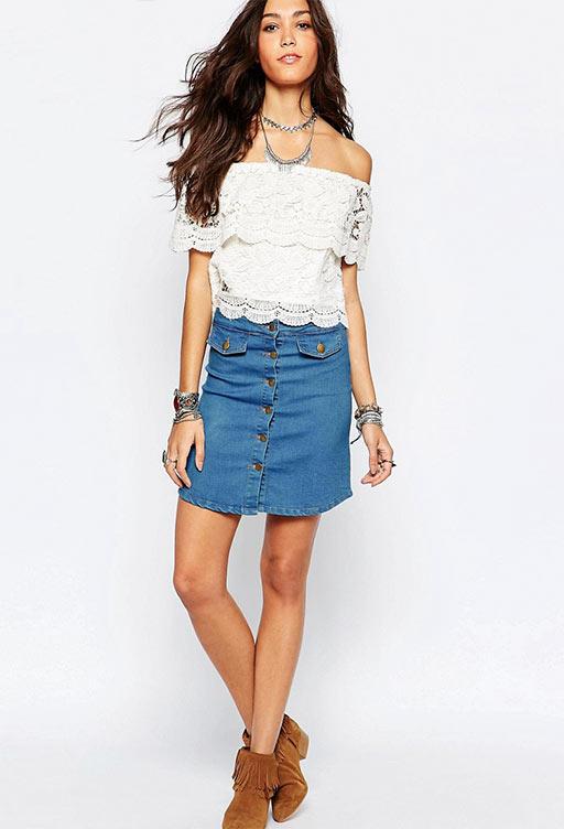 короткая юбка карандаш с блузкой с кружевами