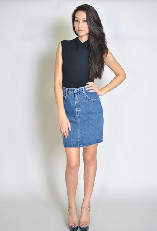короткая юбка карандаш и блузка без рукавов