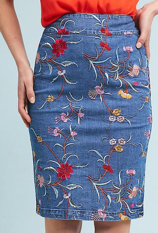 джинсовая юбка карандаш с вышивкой