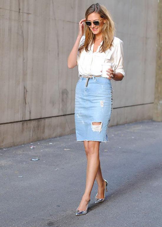 образ на каждый день с белой блузкой и джинсовой юбкой карандаш