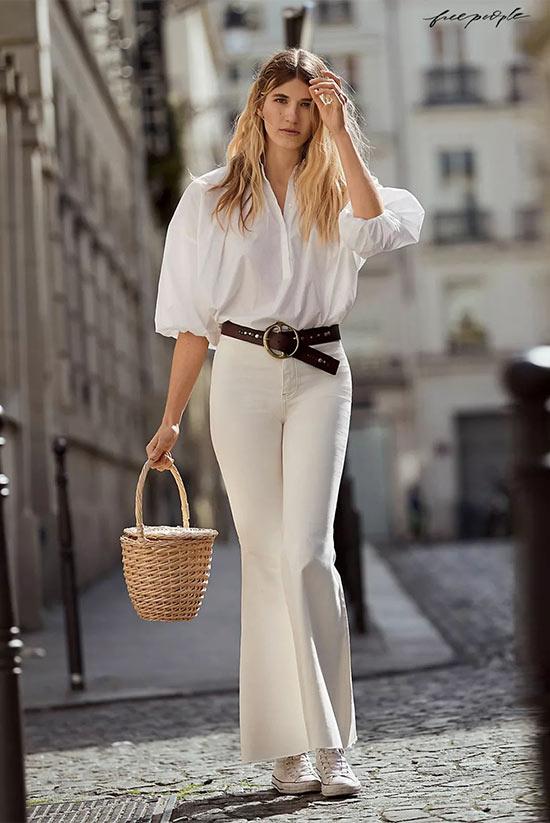 белая блузка с пышными рукавами и узкими брюками