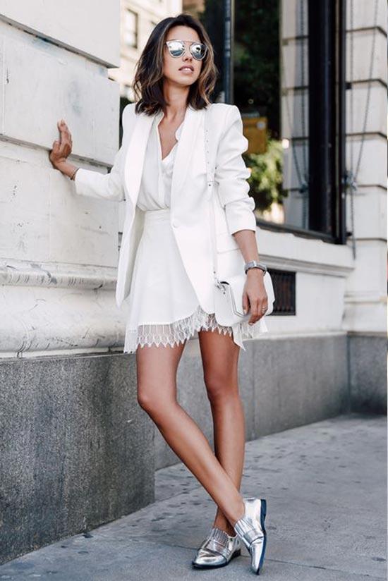 тотал лук в белом цвете с белым платьем и жакетом