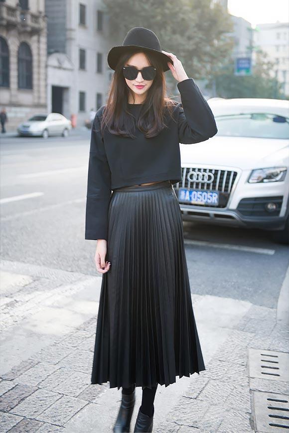 черный тотал лук с плисированной юбкой