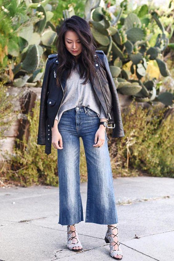 кожаная куртка оверсайз с укороченными джинсами-кюлотами