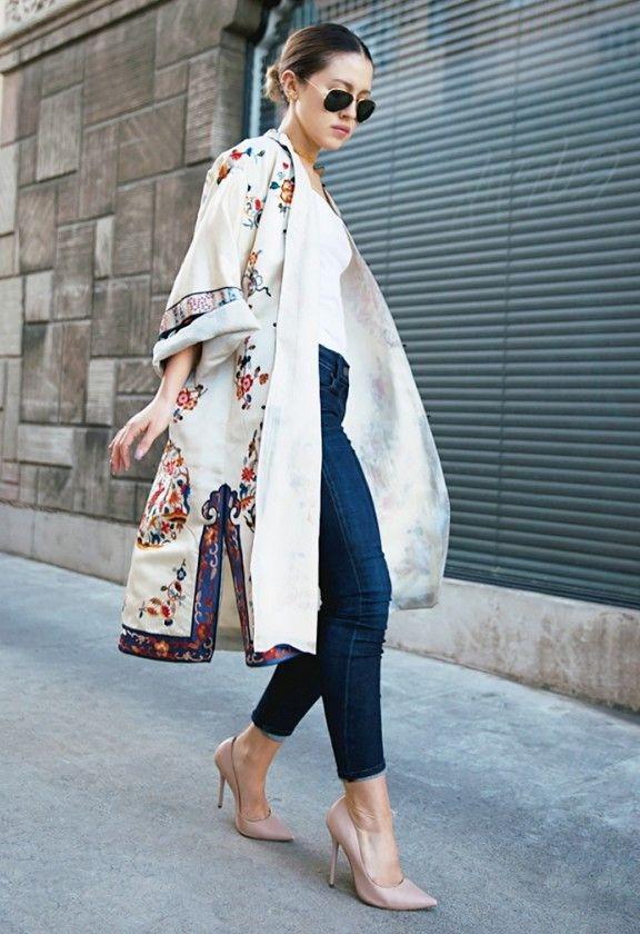 светлое платье- халат кимоно