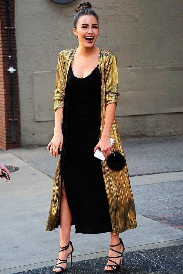 золотистое кимоно с черным платьем