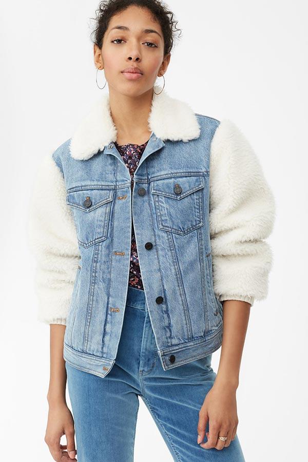 джинсовая куртка с воротником и рукавами из меха