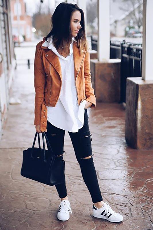 наряд с белой рубашкой, черными джинсами, белыми кедами