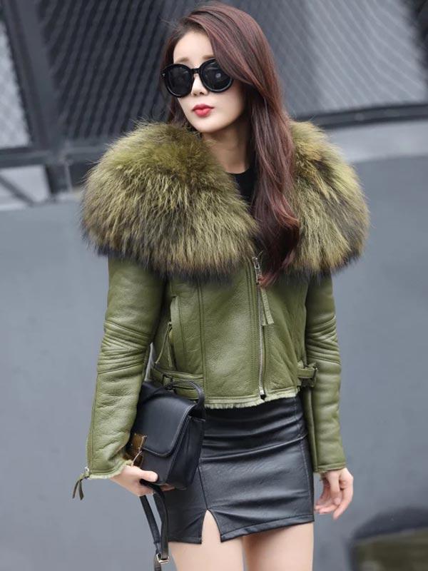 куртка цвета хаки с мехом из кожи