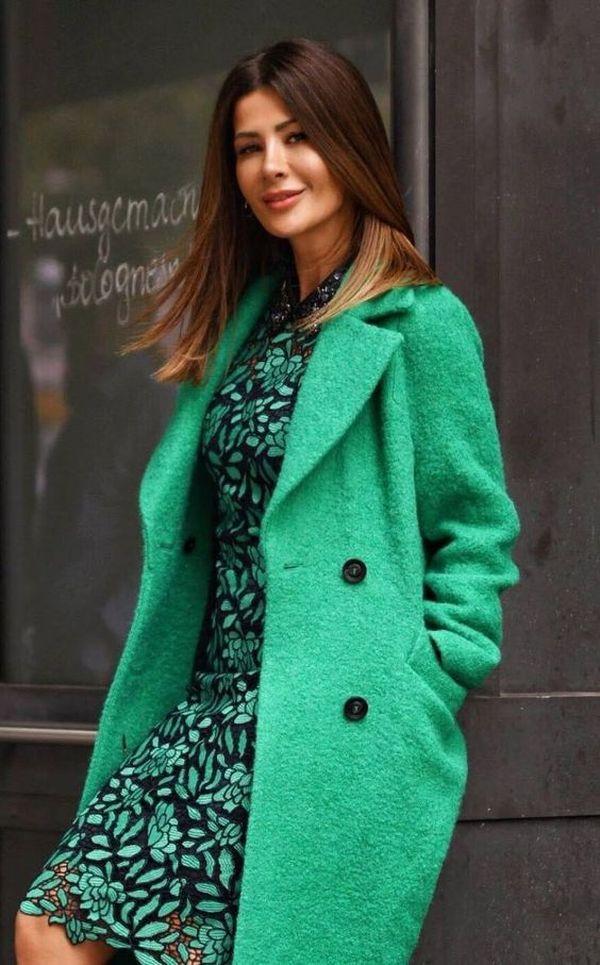 светло зеленое пальто букле с платьем