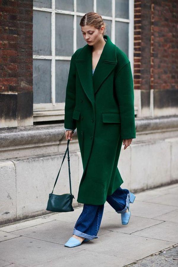пальто зеленого оттенка оверсайз (oversize)