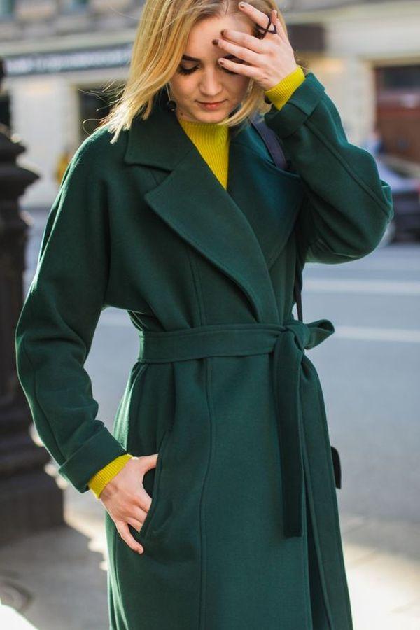 темно зеленое пальто халат