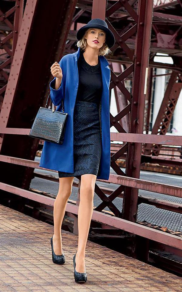 синее пальто с юбкой-карандаш
