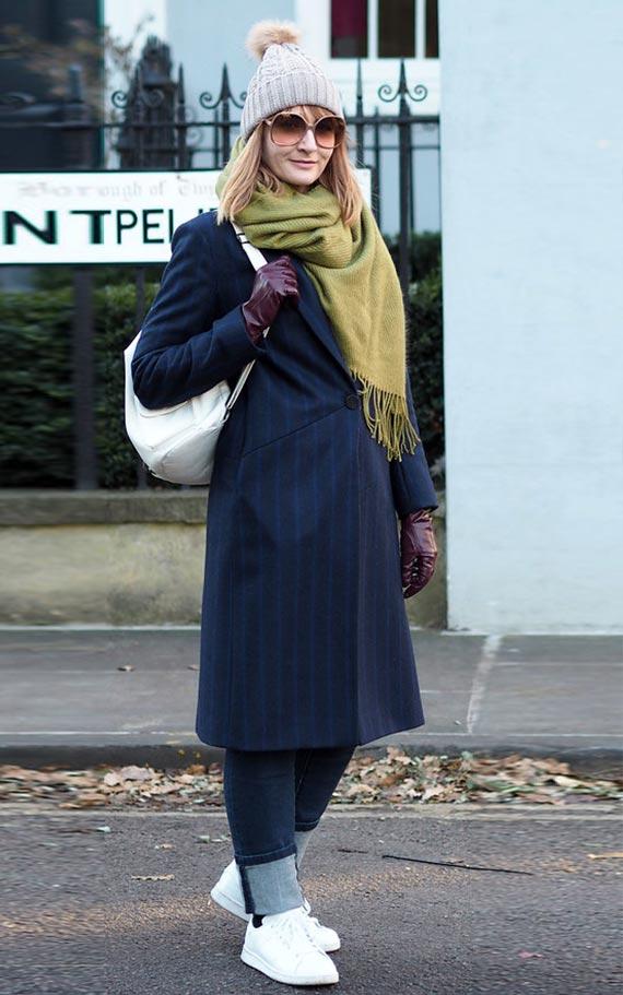 как носить синее пальто ниже колена