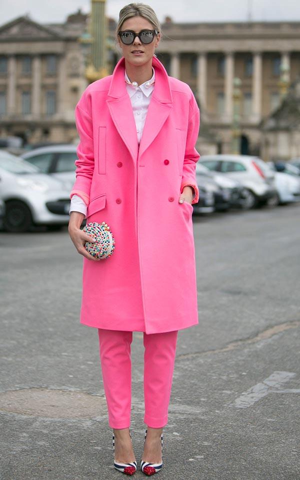 розовое пальто классического оттенка