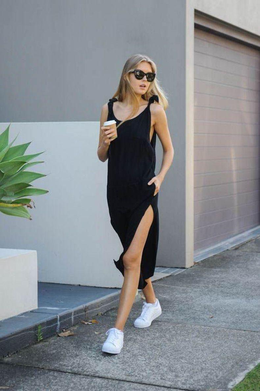 черное платье с кроссовками