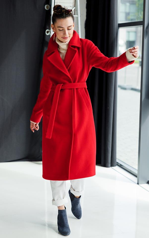 с чем носить красное пальто халат