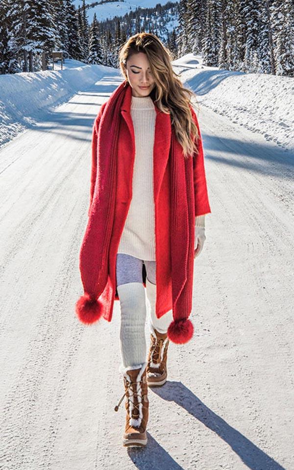 с чем носить красное пальто зимой