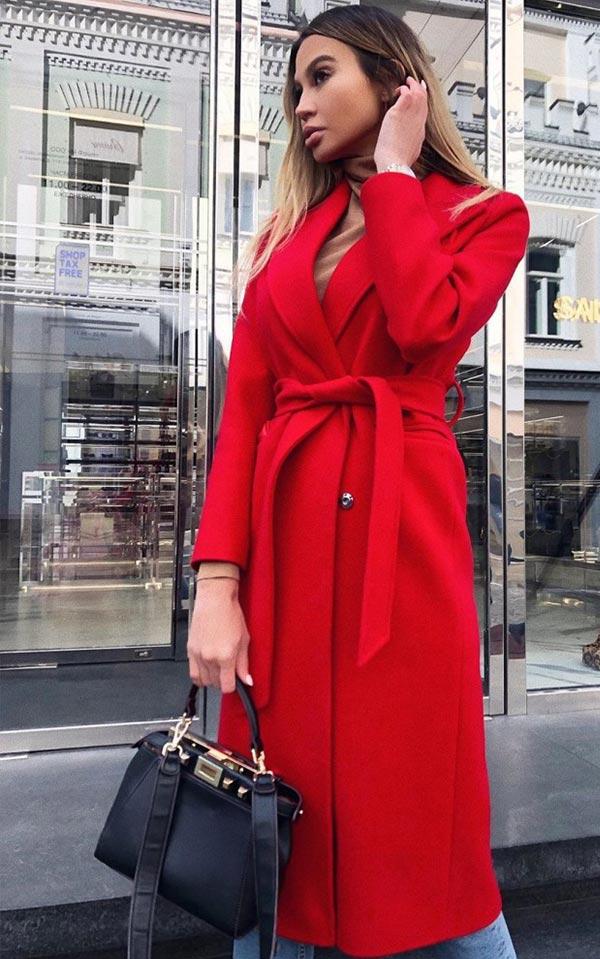 как подобрать сумку к красному пальто
