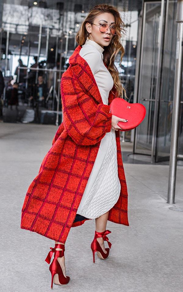 клетчатое красное пальто