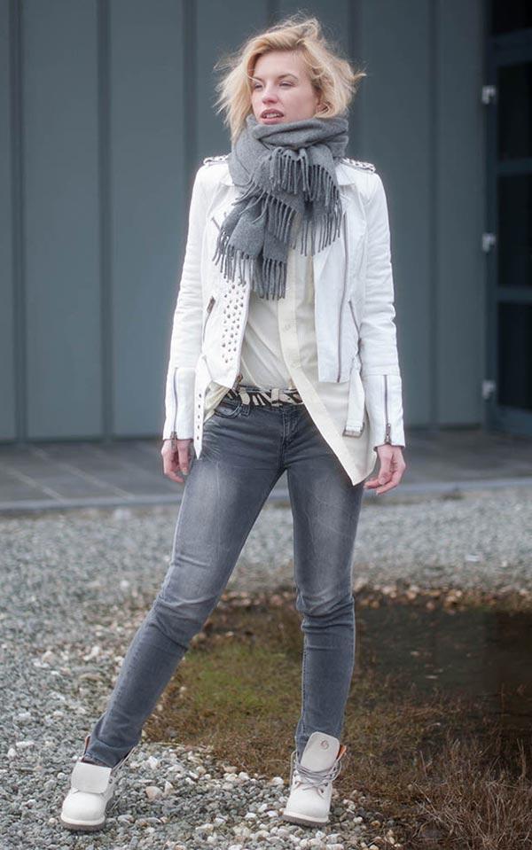 комплект с джинсами, тимберлендами, кожаной курткой