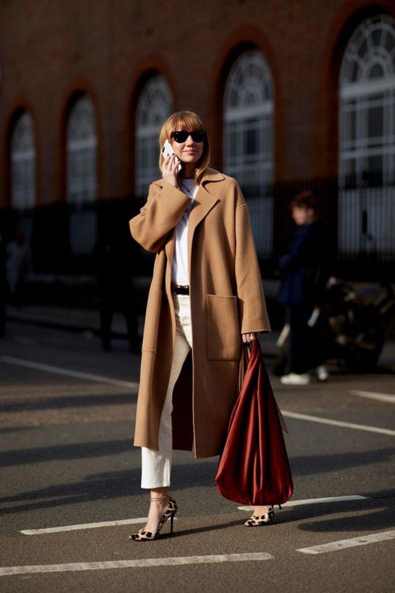 образ с коричневым пальто