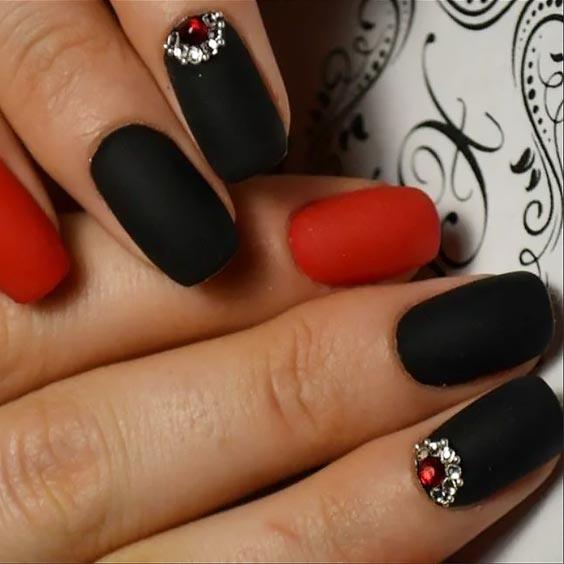 стразы, черный и красный дизайн на ногтях
