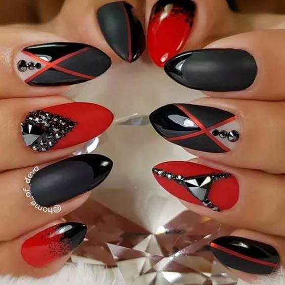 геометрический красный с черным маникюр