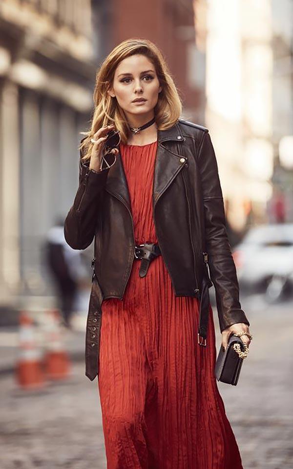 терракотовое платье с кожаной курткой