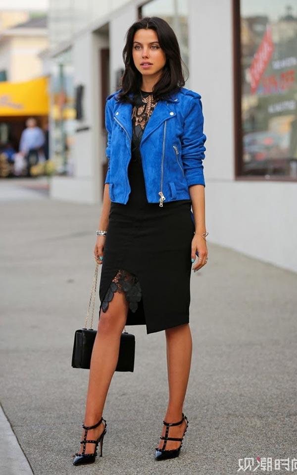 комплект с синей косухой и темным кружевным платьем