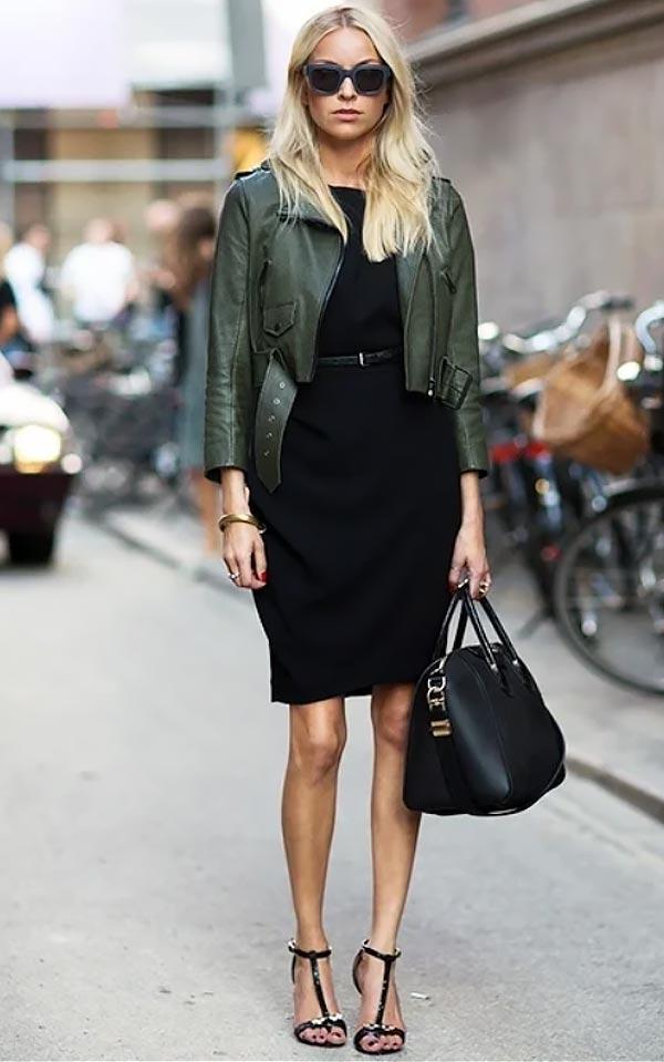 хаки кожаная куртка с черным облегающим платьем