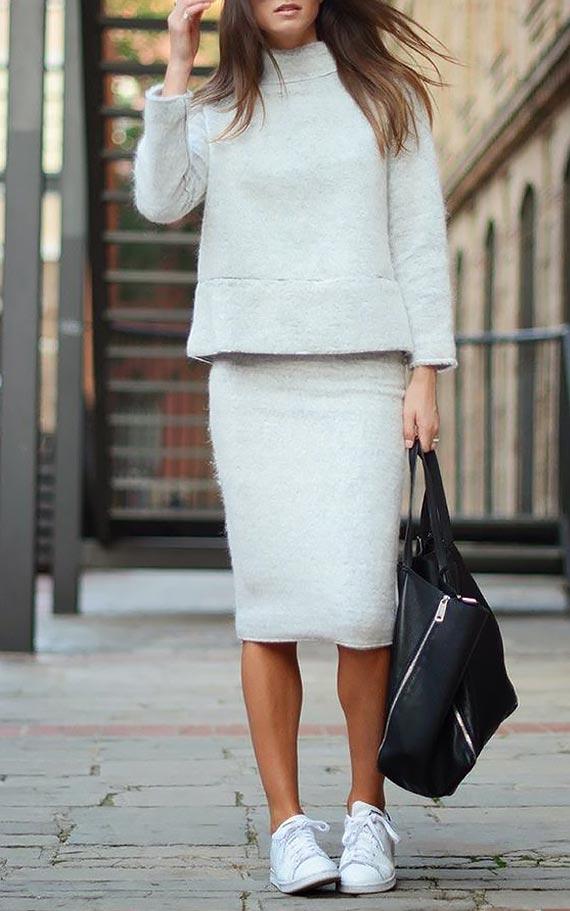 белая юбка карандаш с кедами