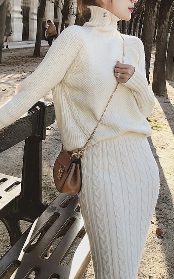 образ с молочной вязанной юбкой