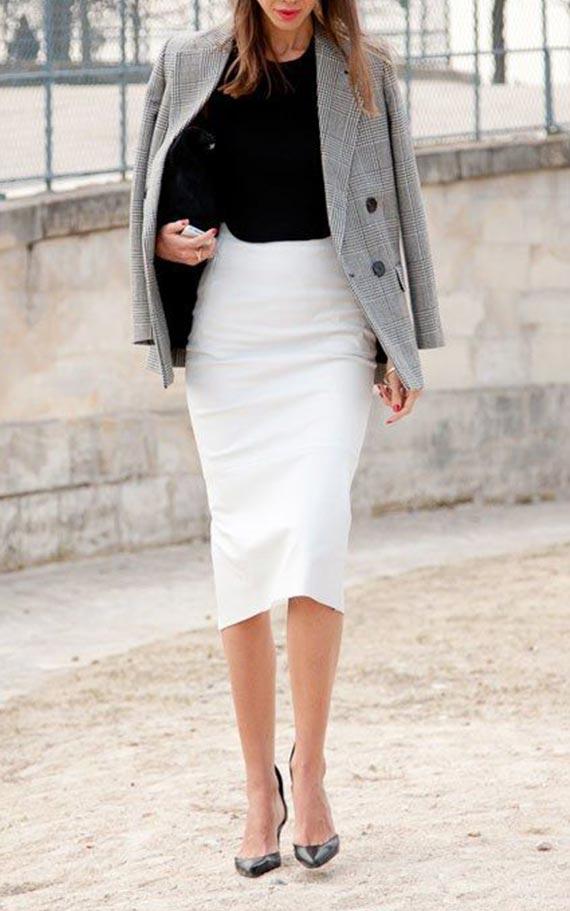 образ для работы с серым жакетом, белой юбкой и черной блузкой