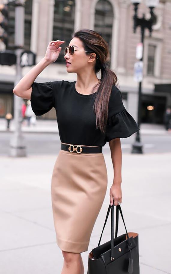 с черной блузкой