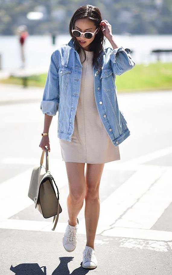 повседневный лук с джинсовой курткой