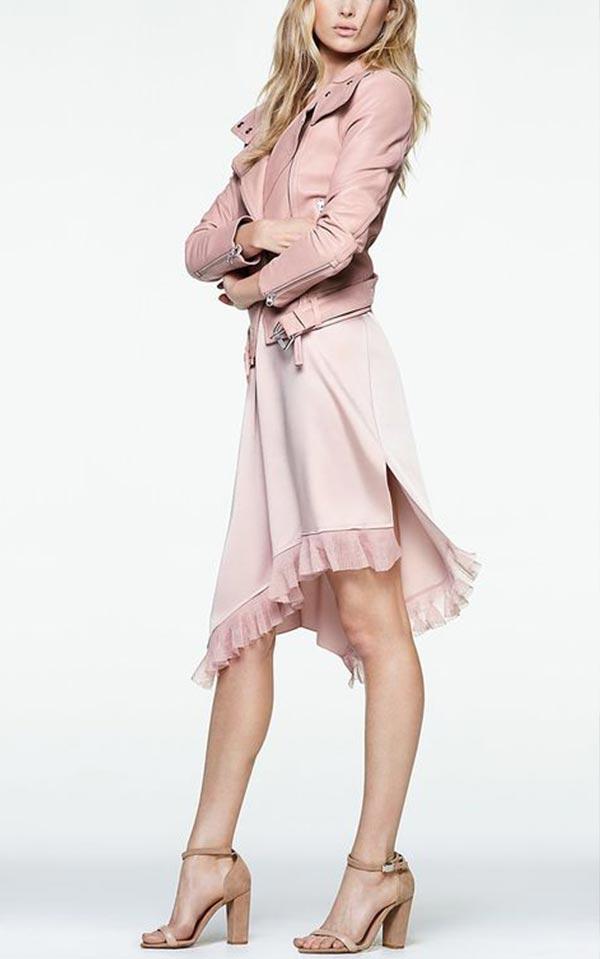 шелковое платье с кожаной курткой