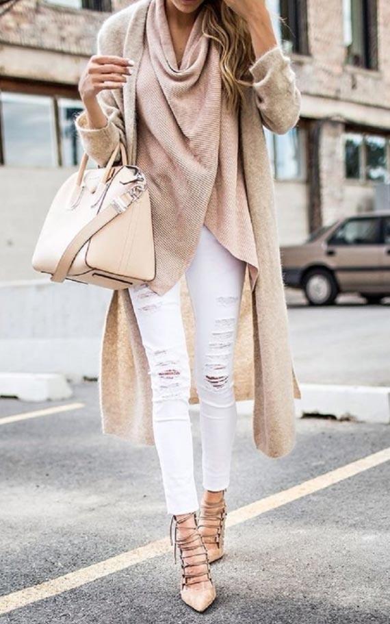 образ со светлыми джинсами, шарфом, сумкой, туфлями