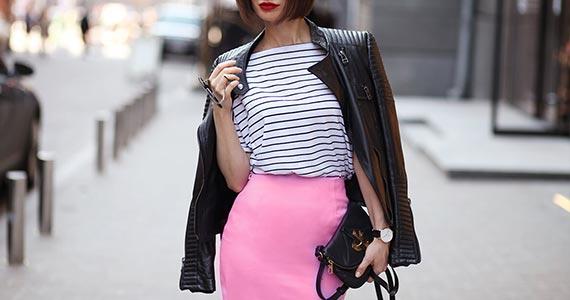 розовая юбка карандаш с чем носить