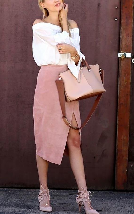 замшевая юбка карандаш с разрезом и белая блузка