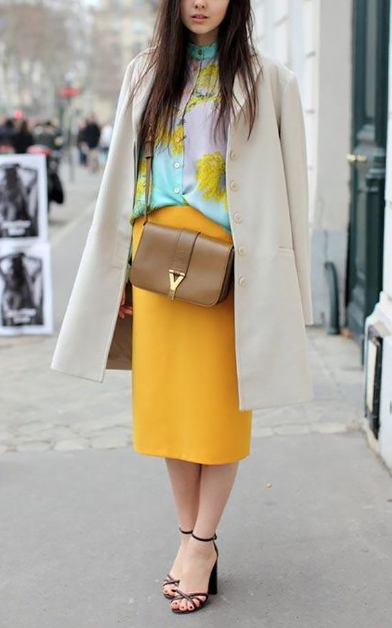 кашемировое пальто с юбкой медового оттенка